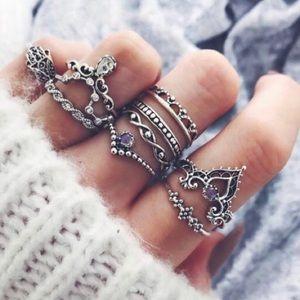 🎁 5/$35! Gorgeous 10 Piece Ring Set